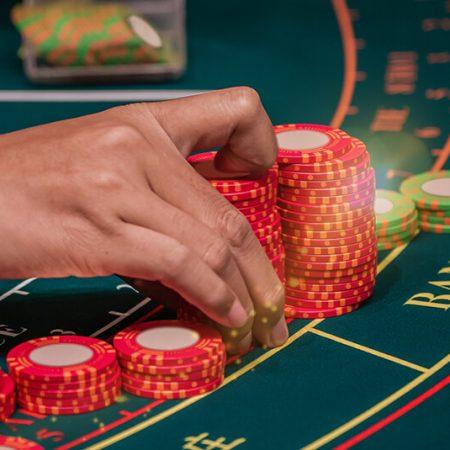 Beste Casino Spill (Blackjack, Roulette, Poker, Baccarat, Craps etc.)
