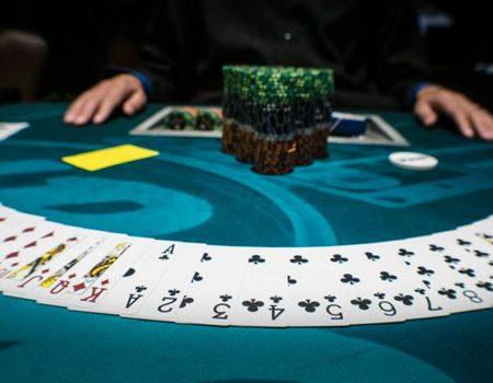 Forskjellige Variasjoner av Poker Forklart